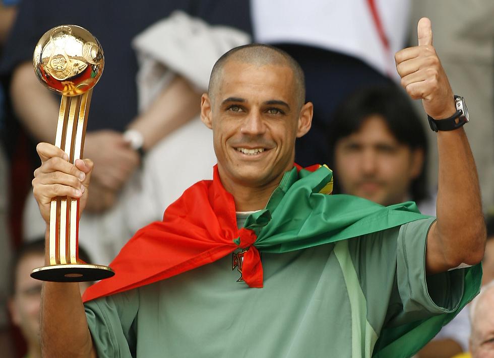 השגריר הטוב ביותר שכדורגל החופים יכול היה לבקש בעידן היוטיוב. מאג'ר (צילום: AP) (צילום: AP)