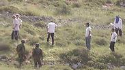 מתנחלים תקפו חיילים באבנים, קצין נפצע בידו