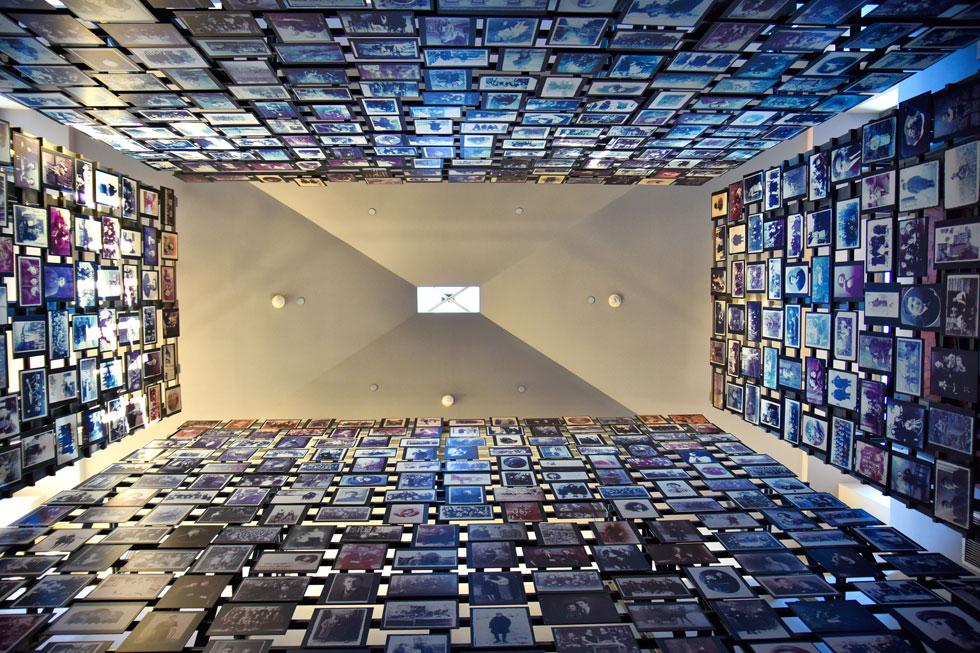 את זו אפשר למצוא במוזיאוני שואה כמו בוושינגטון, שמעביר את המבקרים בחוויה ויזואלית מטלטלת (צילום: GiuseppeCrimeni / Shutterstock)
