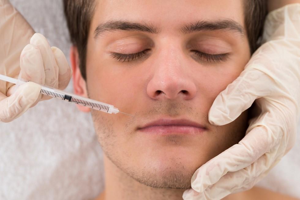 מספיק בדרך כלל לטיפול בקמטי הבעה. בוטוקס (צילום: shutterstock) (צילום: shutterstock)