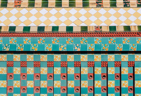 חגיגה של טקסטורות ברוח האדריכלות המורית (צילום: Pol Viladoms)