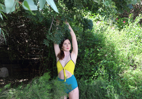 לחצו על התמונה להפקת האופנה המלאה עם רונית יודקביץ' (צילום: תמר קרוון)