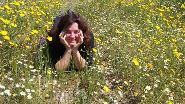 """חיה את הטבע גם בגיל מבוגר. נילי אלדר. (צילום: ארגון נוע""""ם) (צילום: ארגון נוע"""