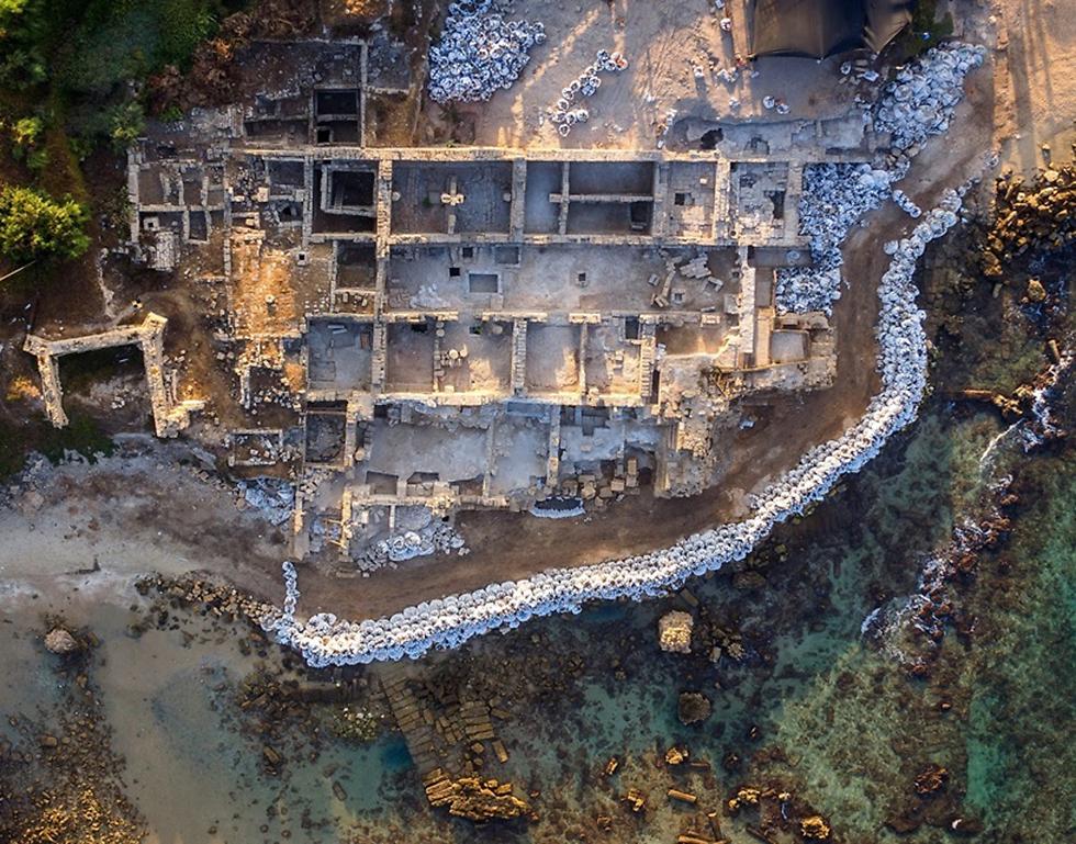 העבודות בנמל (צילום: גריפין צילום אווירי)