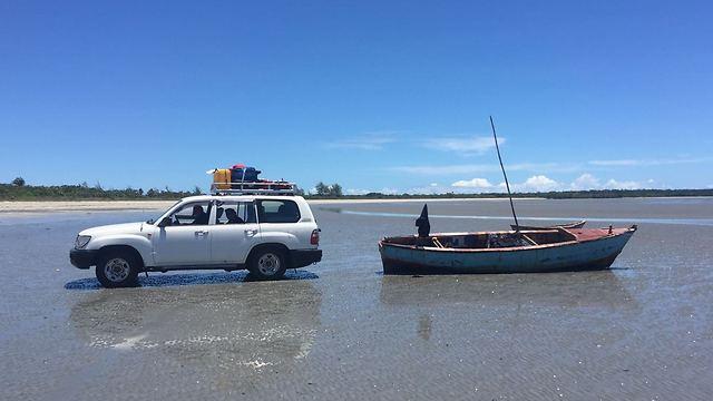 לנהוג על הים - אפשר רק בשעות השפל (צילום: יפעת יגר)