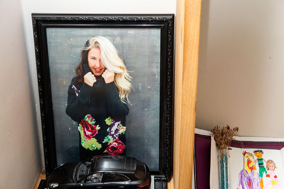 """""""כשאתה עובד ברשת אופנה מסחרית, חשוב לך להראות שאתה בטרנד ושאתה מעודכן"""" (צילום: ענבל מרמרי)"""