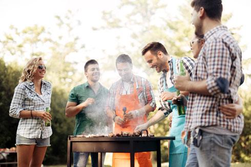 על האש זה לא רק אוכל (צילום: Shutterstock)