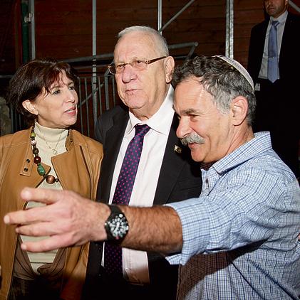"""בארי עם נשיא המדינה רובי ריבלין ועם מנכ""""לית האוניברסיטה העברית, בילי שפירא"""