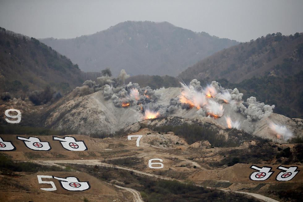 """כוחות צבא של דרום קוריאה וארה""""ב בתרגיל משותף בפוצ'און, ליד האזור המפורז שמפריד בין שתי הקוריאות (צילום: רויטרס)"""
