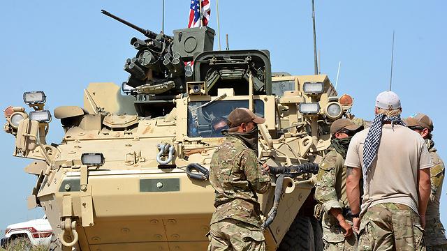 החשש: אסד יחצה את הפרת. כוחות כורדיים ואמריקניים בצפון סוריה (צילום: EPA) (צילום: EPA)