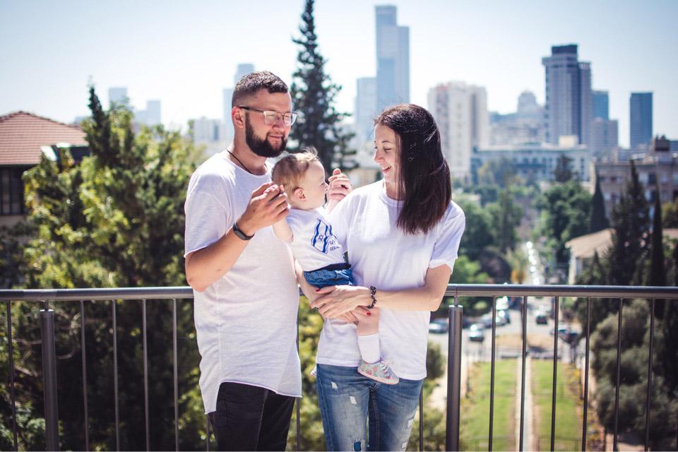 Саша Мочалова с семьей. Фото: Катерина Лескин