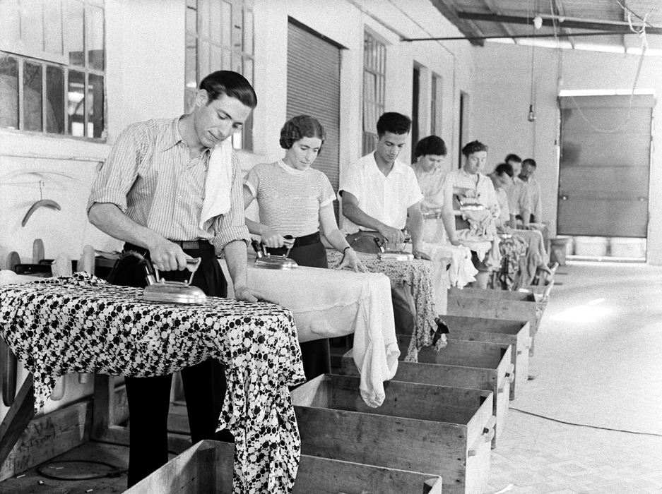 Social ironing (Photo: Rudi Weissenstein/The PhotoHouse)