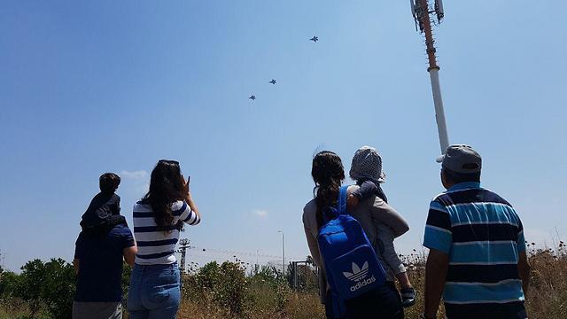 IAF fly over in Ekron (Photo: Barel Efraim)