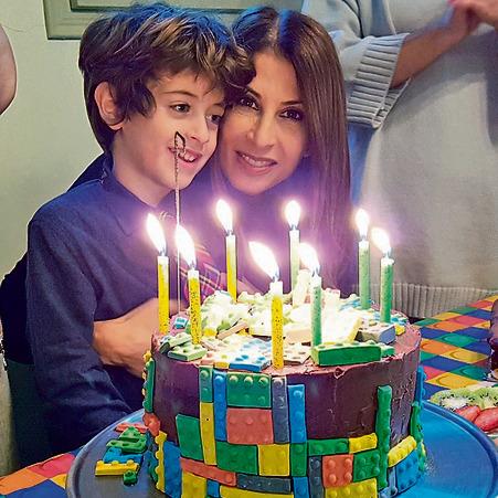 עם בנה יונתן | צילום: מהאלבום הפרטי
