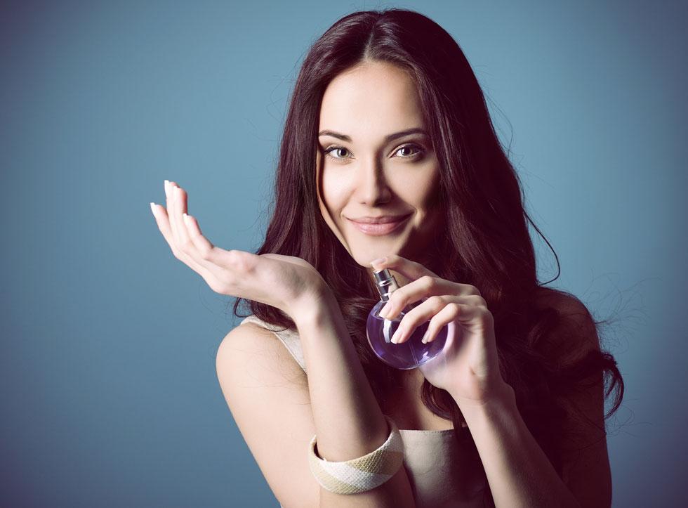 את מוזמנת לנסות את זה גם עם תחליב הפנים והגוף שלך ואפילו עם בקבוקוני הלקים שלך (צילום: Shutterstock)