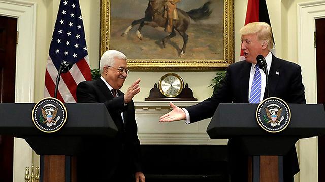 Трам и Абу-Мазен в Белом доме. Фото: АР