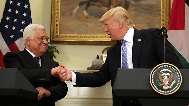 Trump-Abbas meeting. The US president threw words of optimism and hope into the air, but didn't present a plan or describe the nature of the peace agreement (Photo: Reuters) (Photo: Reuters)