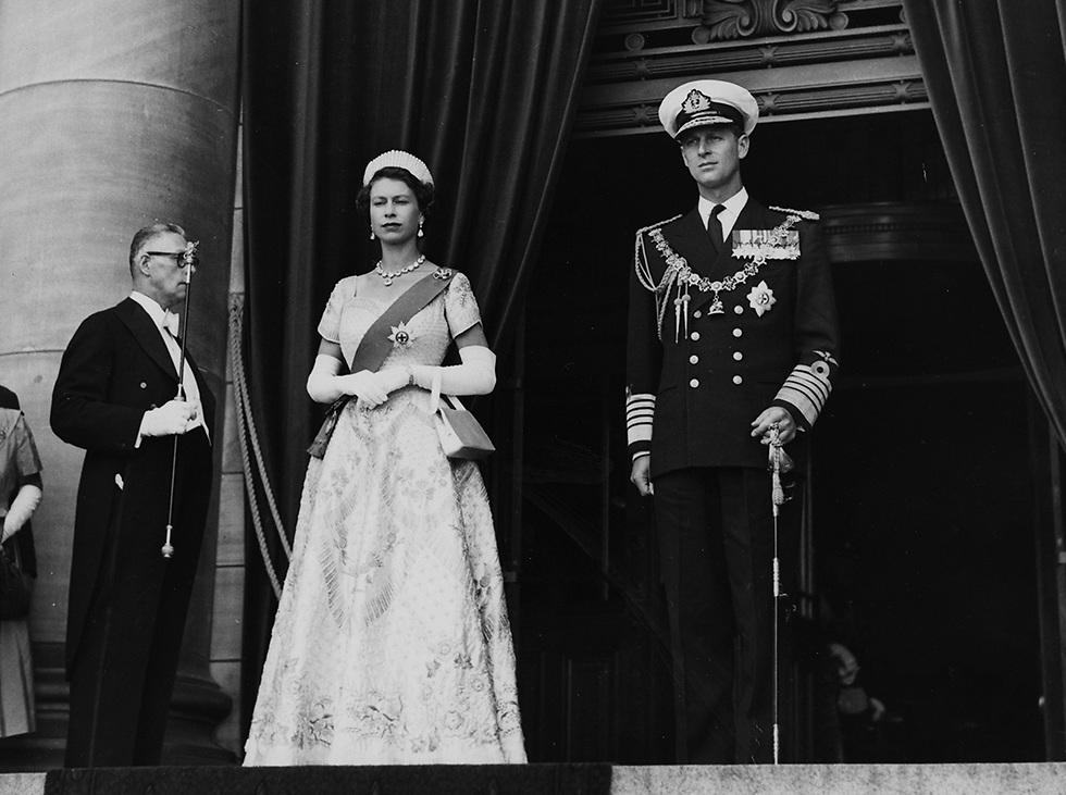 תמונה משנת 1954, שנתיים לאחר שהפכה אליזבת למלכה (צילום: gettyimages) (צילום: gettyimages)
