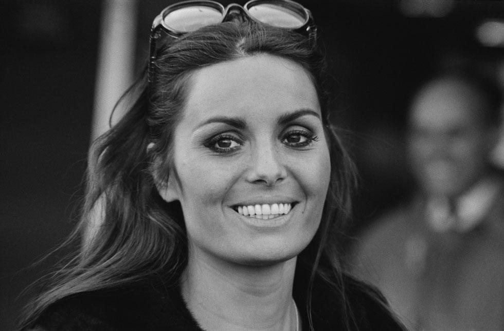 השיער הארוך, עיני השקד והמראה הנינוח והלא מתאמץ שלה, הפכו אותה למודל לחיקוי עבור צעירות רבות בארץ ובעולם. דליה לביא, 1967 (צילום: Gettyimages)