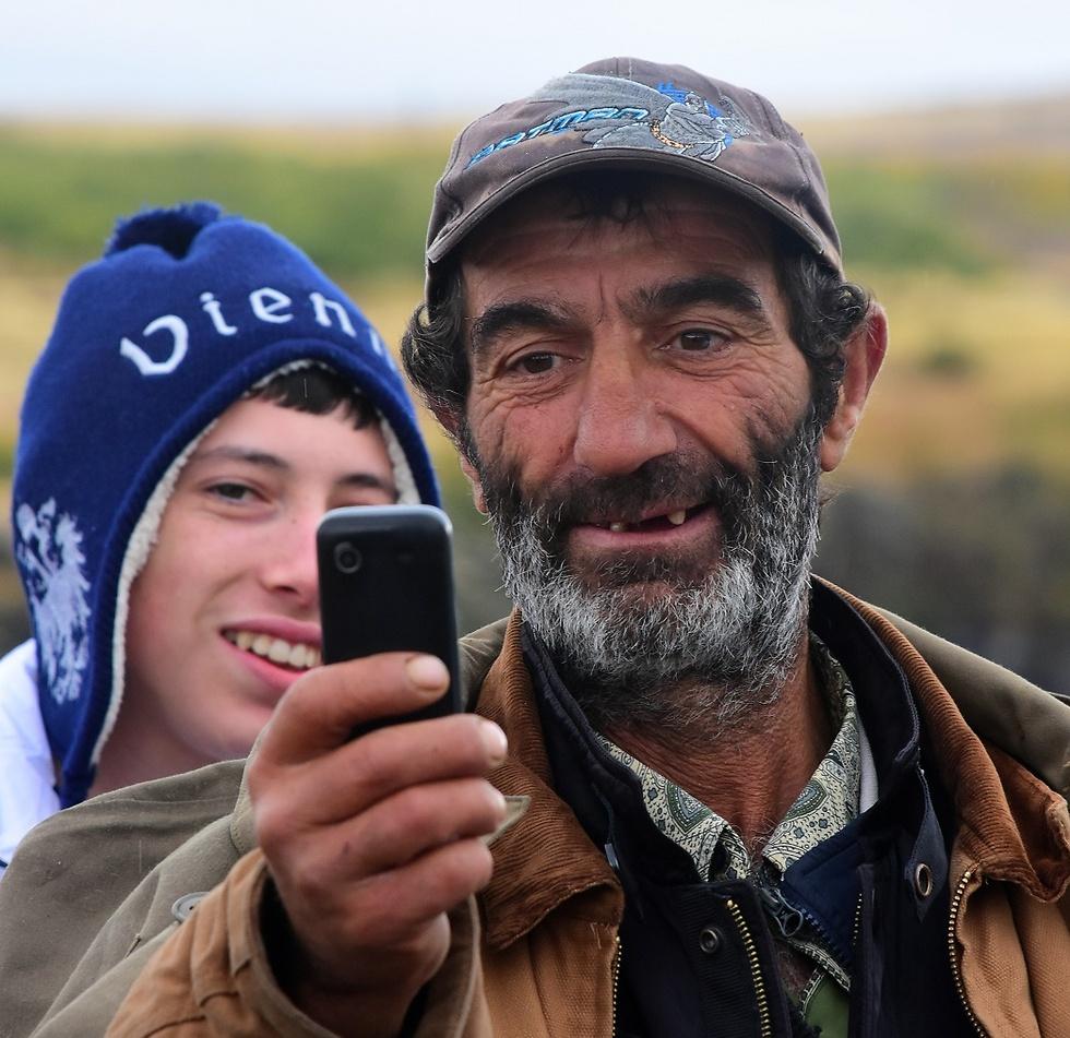 כמו הרגע ההוא, בכפר הארמני הקטן, כשאחת המשפחות מזמינה אותנו להיכנס אליהם הביתה (צילום: ורד כץ) (צילום: ורד כץ)