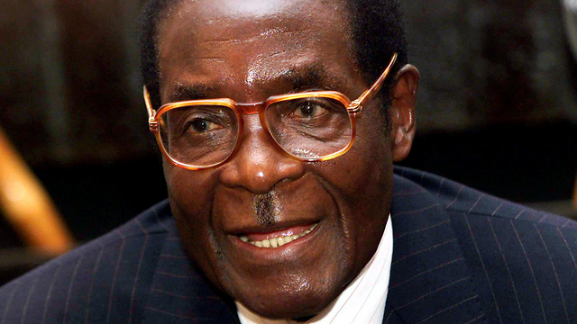 Longtime leader Mugabe was detained by army, said to be 'safe and sound' (Photo: Reuters)