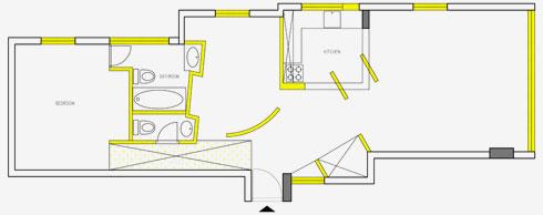 תוכנית הדירה לפני השיפוץ. החלונות שהוחלפו והקירות שנהרסו מסומנים בצהוב (הדמיה: דלית לילינטל עיצוב פנים)