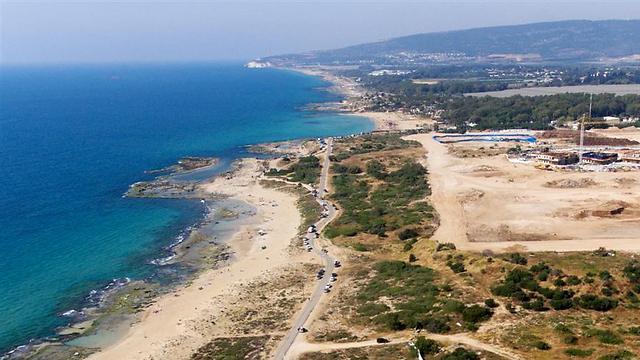 """""""ערכי טבע שאין דוגמתם בארץ"""". חוף אכזיב (צילום: ליאור חורש) (צילום: ליאור חורש)"""