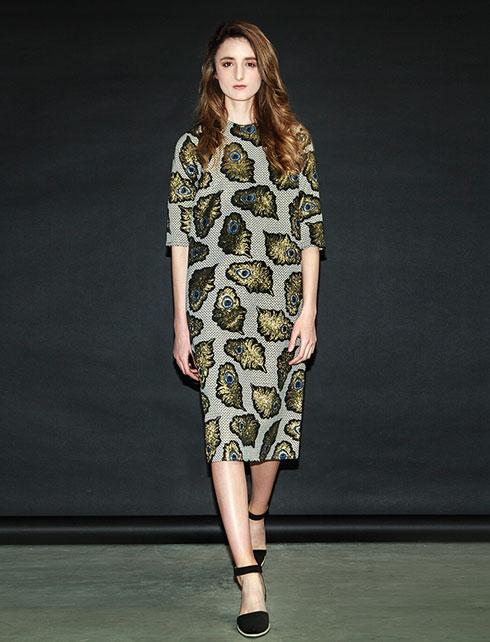 """""""היא מבינה מה הלקוחות אוהבות ומה נכון עכשיו באופנה"""". הקולקציה הצנועה של אירית, 2017 (צילום: אלכס פרגמנט לסטודיו רון קדמי)"""