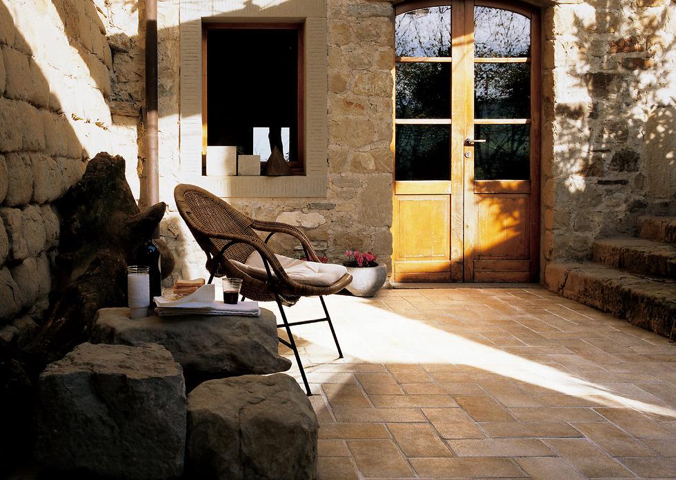 גרניט פורצלן דמוי אבן טבעית  (צילום: פלורים)