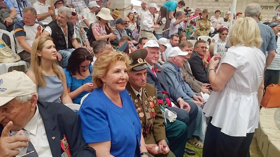 Министр алии и интеграции Софа Ландвер среди гостей праздника. Фото: Григорий Рейхман