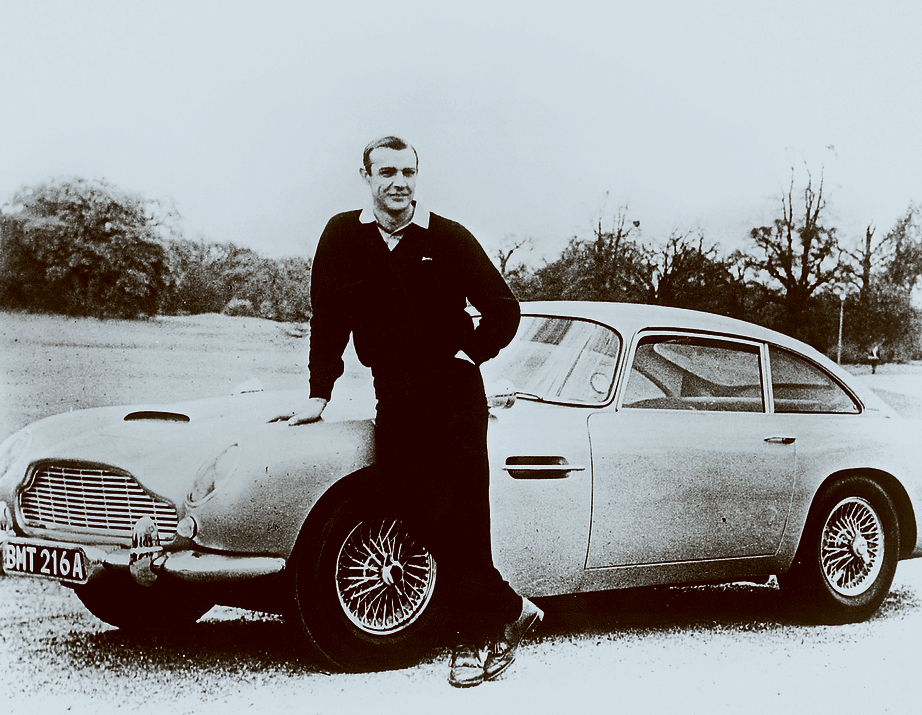 Sean Connery with the Aston Martin (Photo: Photo: Aston Martin/EON Productions)