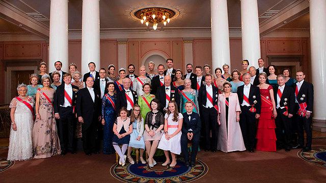האורחים בארמון המלוכה באוסלו (צילום: AFP) (צילום: AFP)