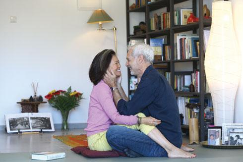 """""""לקבל את עצמנו ואת הגיל שלנו זה הדבר הכי נכון"""" (צילום: אביגיל עוזי)"""