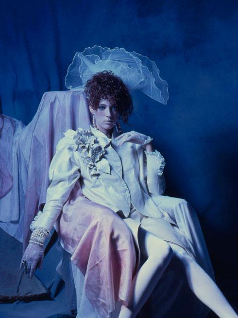 נובמבר 1985: הדוגמנית עדיה מאירצ'ק בעיצוב של תמרה יובל ג'ונס למותג ג'ינג'ט (צילום: בן לם)