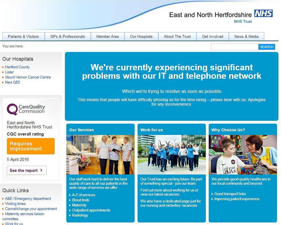 """""""חווים בעיות משמעותיות במערכות"""". הודעה באתר ה-NHS (צילום: AP)"""