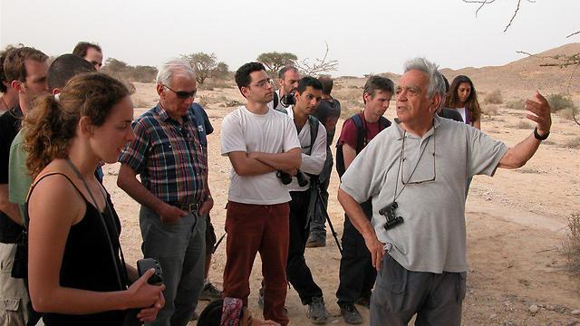 בעת הדרכה על זנבנים בערבה (צילום: יוסי לשם)