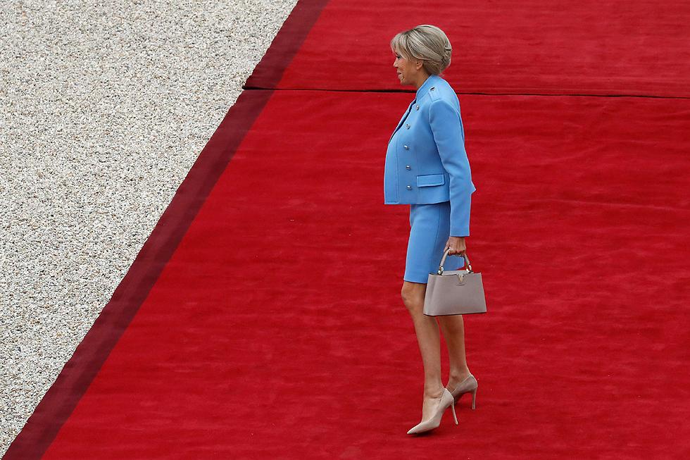 הגברת הראשונה החדשה על השטיח האדום (צילום: AFP)