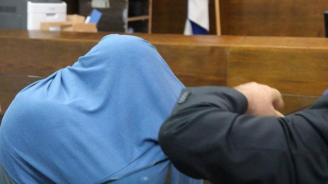 אחד החשודים בהארכת המעצר, אתמול (צילום: מוטי קמחי)