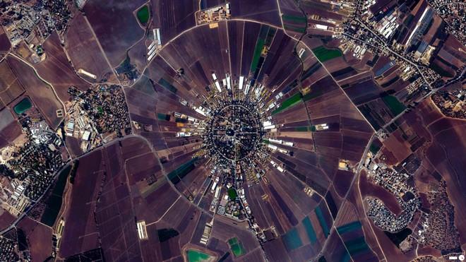 נהלל. אחת משתי התמונות היחידות שפירסם מישראל (צילום: By Daily Overview, Satellite imagery © DigitalGlobe)