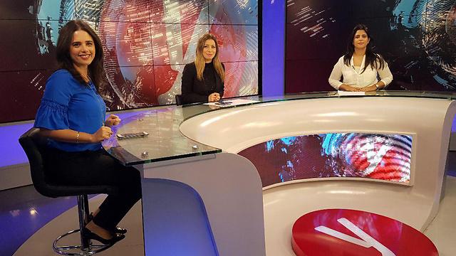 שרת המשפטים איילת שקד באולפן ynet (צילום: אלי סגל)