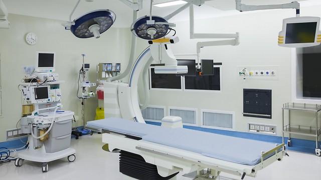 פועלים באופן מלא רק כשליש מהיממה. חדרי ניתוח (צילום: shutterstock)