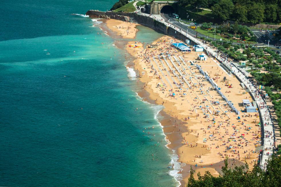 חוף לה קונצ'ה (באדיבות קשרי תעופה)