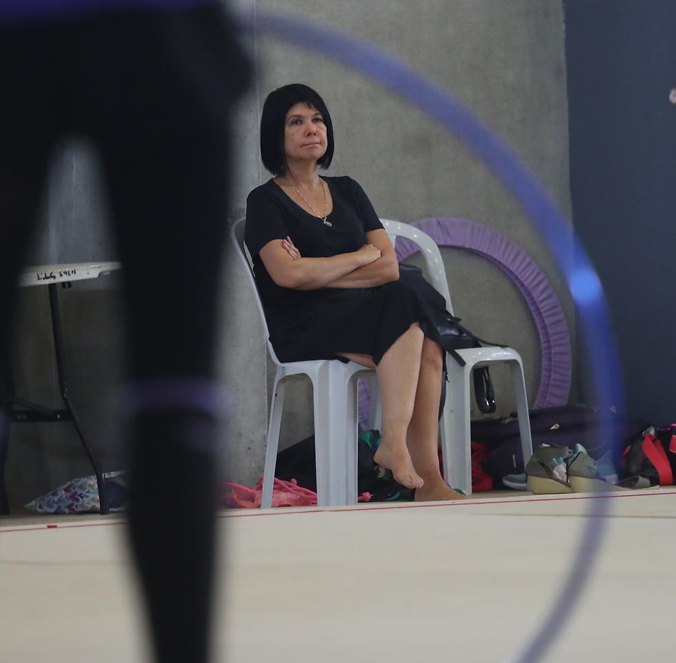 קיבלה כתף קרה מהמתעמלות לשעבר (צילום: אורן אהרוני) (צילום: אורן אהרוני)