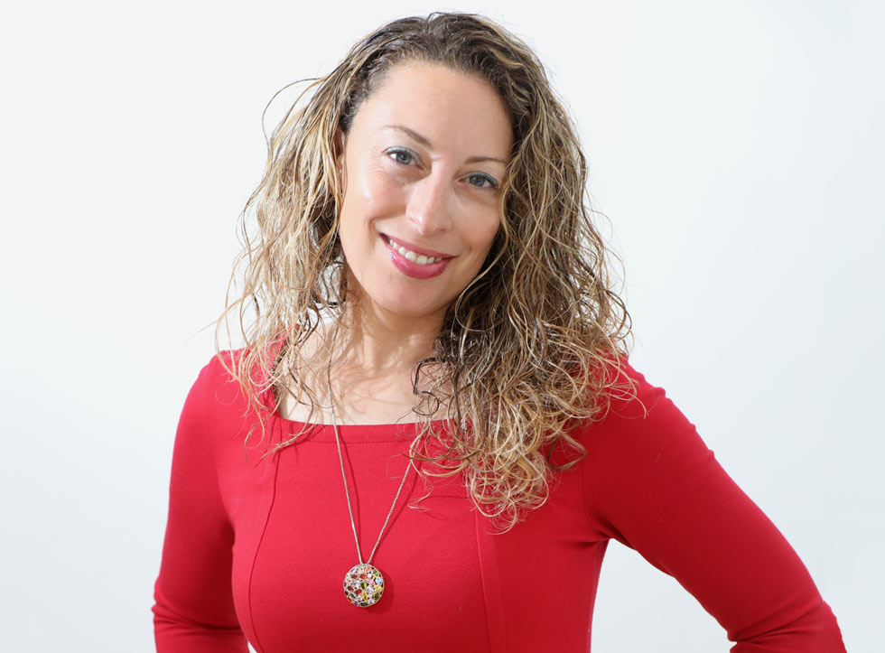 גלי ניצן (35), יזמית, בעלת חברה לשיווק וקידום באינטרנט, מקימת האפליקציה Bookly להשאלת ספרים ברשת, נשואה ואם לארבעה, גרה ברחובות (צילום: שאול גולן)