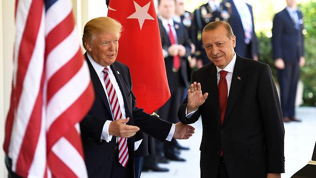 הנשיא הטורקי מזהיר. טראמפ וארדואן (צילום: MCT)