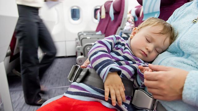 בשורות רעות להורים המבקשים לטוס עם התינוק (צילום: shutterstock) (צלום: HUTTERSTOCK)