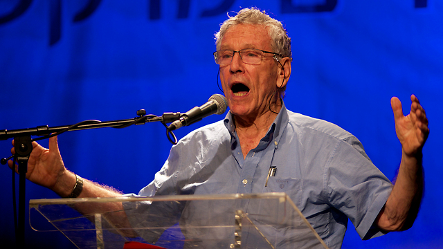 Amos Oz. Insists on being part of the herd of cliché declaimers (Photo: Yuval Chen)