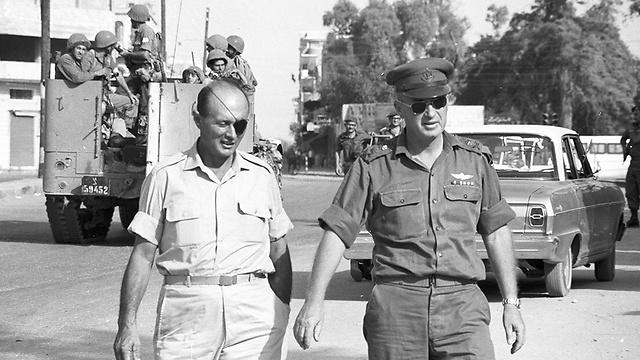 L to R: Def. Min. Dayan and IDF Chief of Staff Yitzhak Rabin following the Six-Day War (Photo: David Rubinger)
