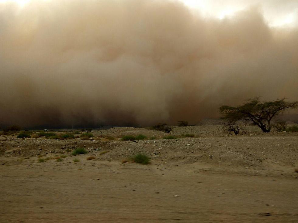 הסופה מתקרבת לאילת (צילום: עומר דהן)