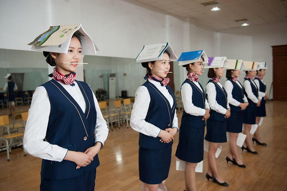 קורס דיילות בג'יאג'וונג, סין (צילום: רויטרס)